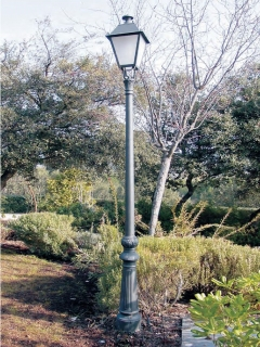 2.3M cast iron lamp post